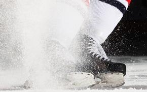 Обои спорт, коньки, хоккей, лед, брызги