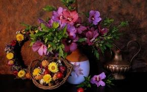 Картинка ваза, кувшин, венок, ранетки, мальвы, бессмертник, яблочки