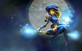 Картинка небо, посох, ведьма, девушка, полет, луна, аниме, улыбка, арт, магия, шляпа