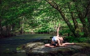 Картинка природа, река, гимнастка, Marie-Lou Lagrange, грация.камень
