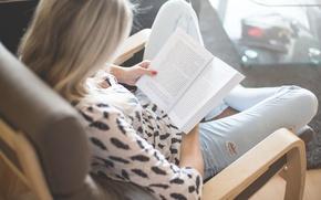 Картинка девушка, кресло, книга, страницы, читает
