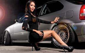 Картинка взгляд, девушка, Девушки, BMW, платье, диски, серый авто