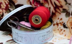 Картинка макро, коробка, ножницы, красный цвет, Нитки, шитьё