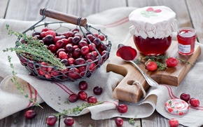 Обои доска, красные, корзинка, баночки, ягоды, натюрморт, шиповник, Anna Verdina, клюква, джем, ложка, варенье