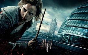 Обои эмма уотсон, маг, лондон, актриса, emma watson, волшебница, грязь, кровь, девушка, волшебная палочка, hermione granger, ...
