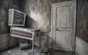 Картинка комната, дверь, автомат
