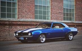 Картинка фары, здание, окна, Chevrolet, колеса, Camaro