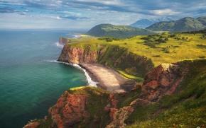 Картинка пляж, горы, скалы, Камчатка, Тихий океан