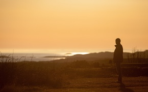 Картинка sea, ocean, man, sunlight, looking, shadow, sunny, islets