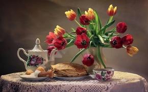 Картинка чайник, сметана, блины, натюрморт, букет, чашка, тюльпаны
