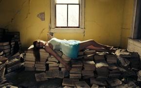 Картинка девушка, комната, книги