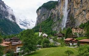 Картинка дорога, небо, горы, водопад, дома, долина, швейцария, switzerland, Staubbach