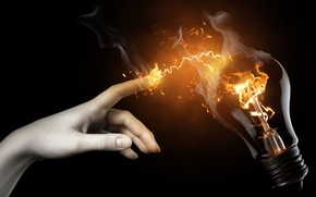 Обои Рука, лампочка, огонь