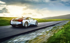 Картинка BMW, Grass, Speed, White, Motion, Exotic, Rear
