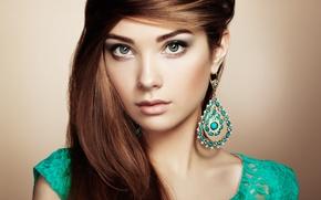 Картинка взгляд, девушка, модель, серьги, макияж, прическа, челка