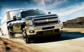 Обои Chevrolet, небо, степь, скорость, прицеп