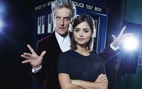 Картинка TARDIS, Дженна Коулман, Jenna Coleman, Двенадцатый Доктор, Twelfth Doctor, девушка, мужчина, Clara Oswald, фонарь, Peter …