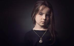 Картинка портрет, взгляд, девочка, фон