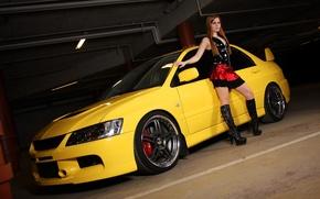 Обои девушка, Mitsubishi, парковка, lancer, желтый лансер
