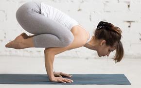 Обои pose, yoga, sportswear, elongation