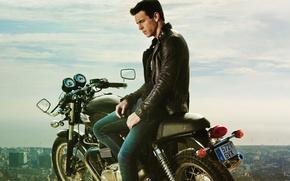 Обои Три метра над уровнем неба, Я тебя хочу, Hache, мужик, Tengo ganas de ti, мотоцикл, ...