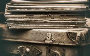 Картинка чемодан, винил, пластинки