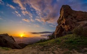 Обои холмы, горы, камни, рассвет