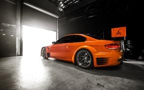 Картинка свет, гараж, BMW, GT2, оранж, E92