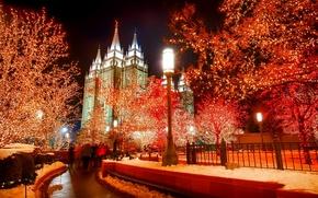 Картинка зима, снег, деревья, ночь, огни, праздник, башня