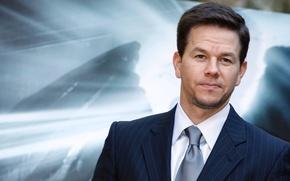 Картинка широкоэкранные, HD wallpapers, обои, мужчина, полноэкранные, Mark Wahlberg, actor, background, fullscreen, галстук, man, suit, широкоформатные, ...