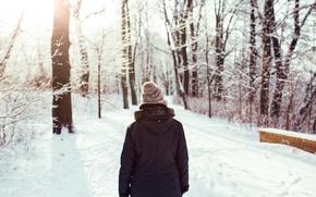 Картинка зима, лес, девушка, снег, шапка