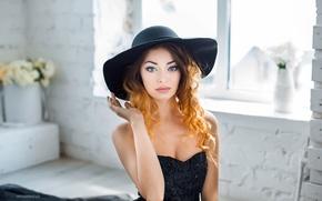 Картинка взгляд, девушка, цветы, лицо, милая, модель, портрет, шляпа, макияж, платье, light, рыжая, красивая, fashion, photographer, ...