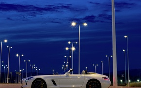 Картинка небо, ночь, Roadster, Mercedes-Benz, фонари, AMG, SLS, Мерседес-Бенц