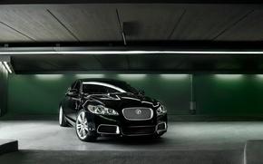 Картинка зеленый, лампы, гараж, Jaguar C-XF