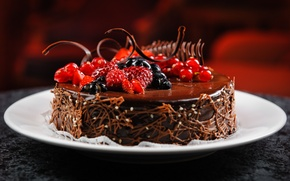 Картинка торт, десерт, аппетитно, тарелка, черника, ягоды, малина, шоколад, смородина