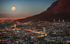 Обои небо, свет, огни, луна, вид, высота, гора, дома, небоскребы, панорама, сумерки, мегаполис, ЮАР, Cape Town, ...