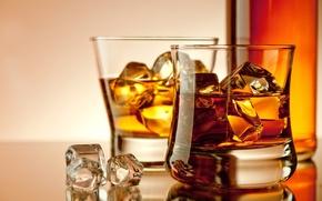 Картинка бутылка, виски, кубики, лед, бокалы, напиток, алкоголь