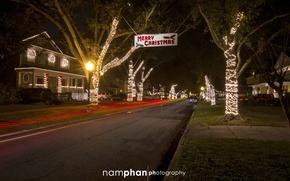 Картинка город, дома, гирлянда, Merry Christmas, Nam Phan Photography