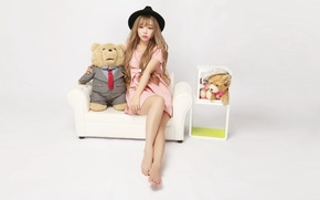 Картинка девушка, настроение, игрушка, шляпа, медведь