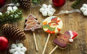 Обои christmas, Рождество, новогоднее, еда, Christmas, New Year, снежинки, шишки, конфеты, food, праздники, Новый Год, сладости, ...