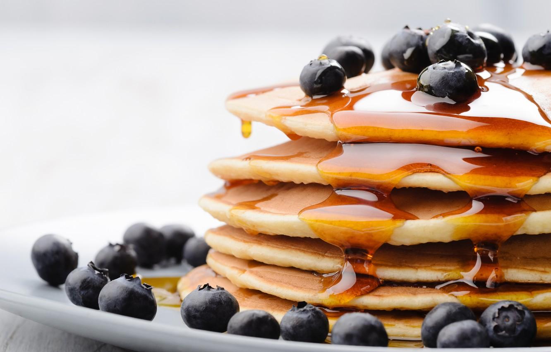 Фото обои ягоды, еда, черника, мед, мёд, блины, голубика, блинчики, оладьи