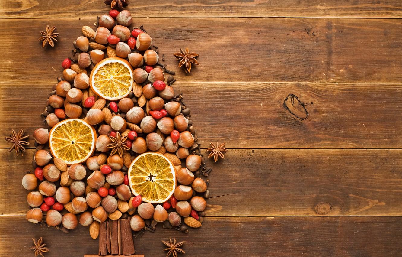 Фото обои зима, стол, дерево, праздник, елка, апельсин, Новый Год, шиповник, Рождество, ёлка, орехи, корица, Christmas, гвоздика, …
