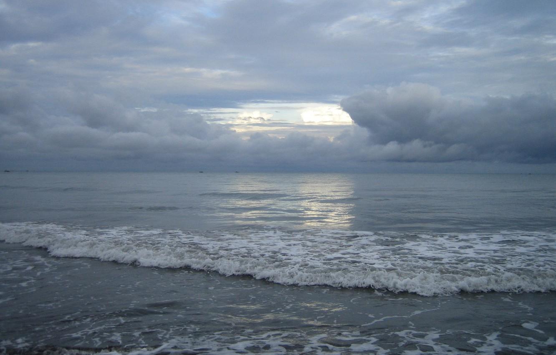 Фото обои песок, море, волны, облака
