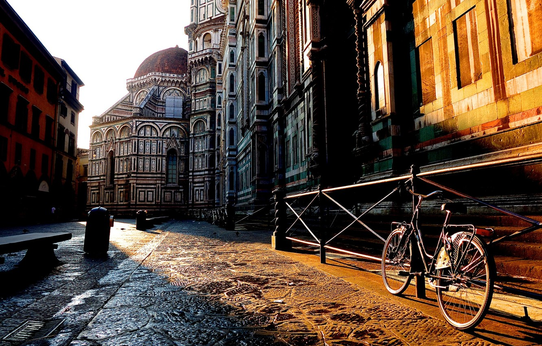 Фото обои велосипед, город, восход, улица, здания, дома, утро, ограда, Италия, Флоренция, Italy, Тоскана, Florence, Toscana, Tuscany, …