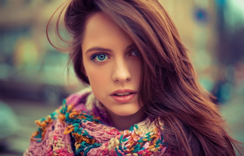 Фото обои глаза, девушка, лицо, волосы, портрет, шарф, голубые, красивая