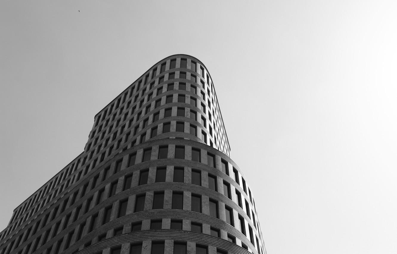 Фото обои здание, окна, черно-белое