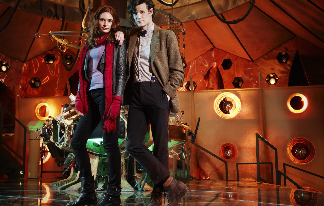 Фото обои сериал, платформа, Doctor Who, консоль, Доктор Кто, Мэтт Смит, Matt Smith, Amy Pond, Карен Гиллан, ...