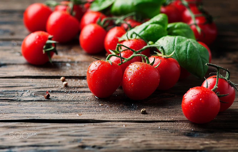 Обои makro, помидоры, еда, овощи, капли, стол. Еда foto 6