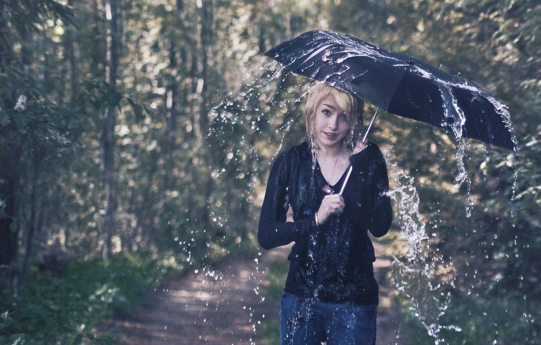 Фото обои девушка, дождь, ситуация, зонт