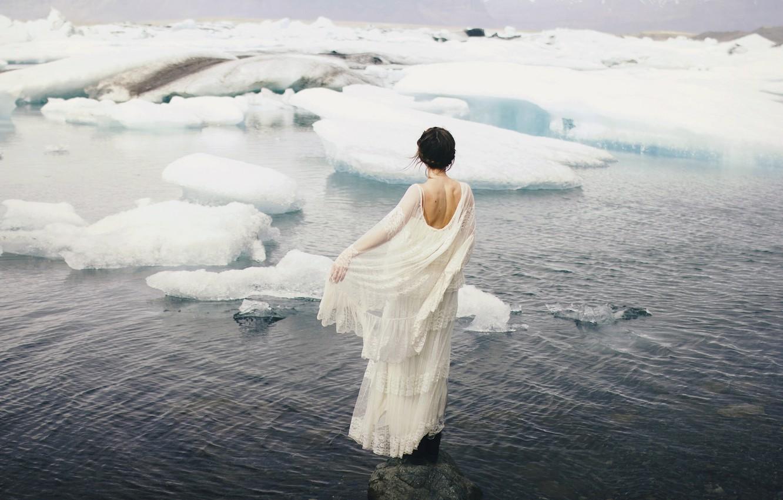 Фото обои море, девушка, ситуация, платье, льды